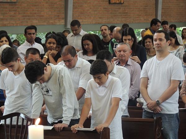 20151018_005-eucaristia_adolescentes