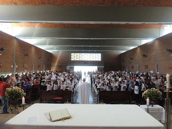 20151122_002-primeira_eucaristia